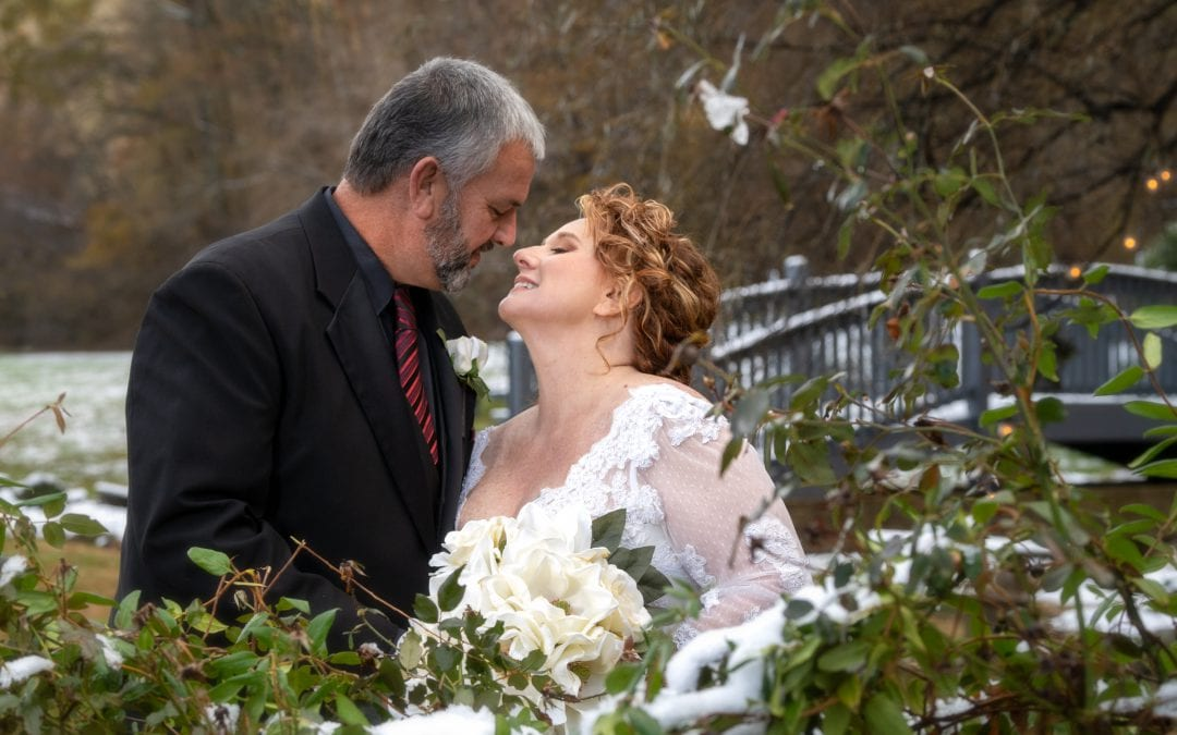 How a Winter Wedding in the Smoky Mountains Warms the Heart