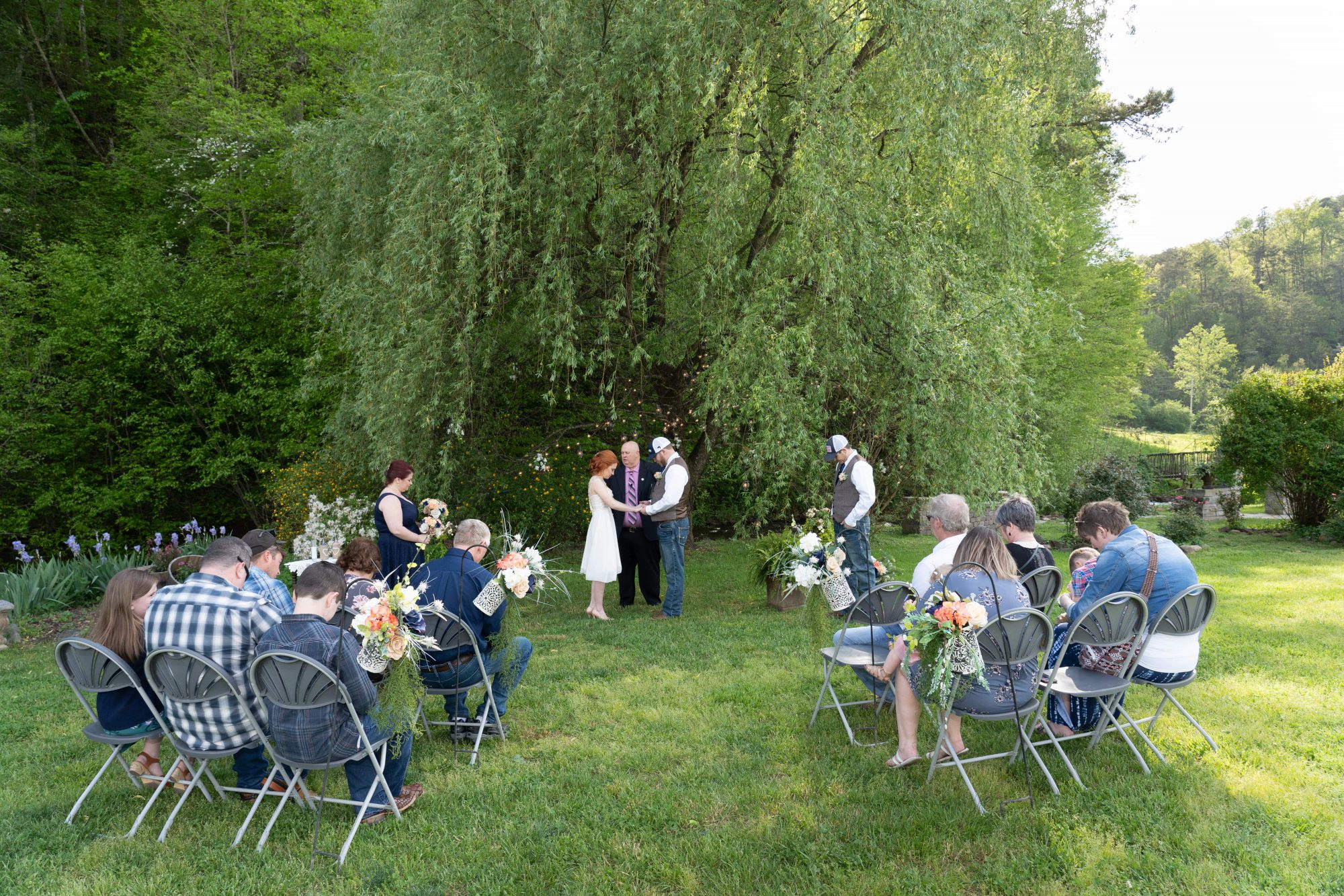 willow-tree-informal-guests-gray-chairs-April-1003 (1)-min